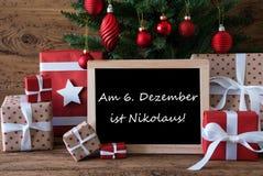 Árvore de Natal colorida, Nikolaus Means Nicholas Day foto de stock royalty free