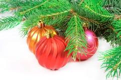 Árvore de Natal com brinquedos Fotografia de Stock