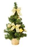 Árvore de Natal com presentes, curvas e esferas no branco Fotografia de Stock