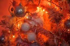 Árvore de Natal cor-de-rosa e alaranjada Fotografia de Stock Royalty Free