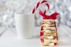 Árvore de Natal cozida caseiro das cookies da estrela do açúcar Imagens de Stock Royalty Free