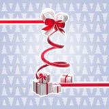 Árvore de Natal da fita com uma curva e os presentes Imagem de Stock