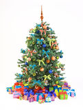 Árvore de Natal decorada com presentes Imagens de Stock