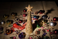 Árvore de Natal decorativa dourada Imagem de Stock