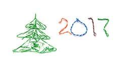 A árvore de Natal e o número 2017 fizeram dos cabos do twisted pair RJ45 para a rede do Lan Fotografia de Stock Royalty Free