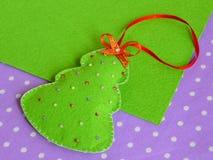 Árvore de Natal feito a mão do feltro Ofício das crianças imagem de stock