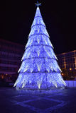 Árvore de Natal metálica roxa Fotos de Stock