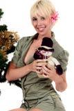 Árvore de Natal, mulher feliz nova Foto de Stock