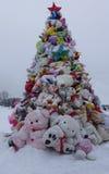 Árvore de Natal original feita dos brinquedos Foto de Stock Royalty Free
