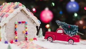 Árvore de Natal para a casa de pão-de-espécie fotos de stock royalty free