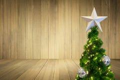 Árvore de Natal pelo ano novo 2017 Foto de Stock Royalty Free
