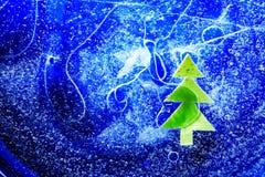 Árvore de Natal sob o gelo fotografia de stock