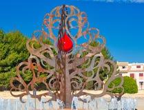 Árvore de vida com símbolo da gota do sangue fotos de stock royalty free