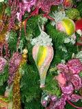 Árvore do ano novo decorada com brinquedos Imagens de Stock Royalty Free