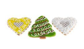 Árvore do xmas das cookies do Natal e dois corações Foto de Stock Royalty Free