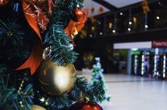 Árvore e bolas de Natal Fotografia de Stock