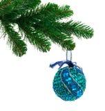 Árvore e esfera de Natal imagem de stock royalty free