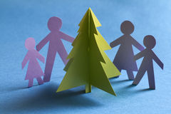 Árvore e família de papel do Natal Imagens de Stock Royalty Free