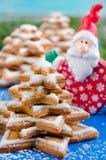 Árvore e Santa Claus de Natal do pão-de-espécie Fotos de Stock Royalty Free