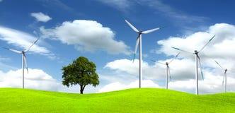 Árvore na exploração agrícola de vento Fotos de Stock Royalty Free
