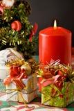 Árvore, presentes e vela de Natal Fotografia de Stock