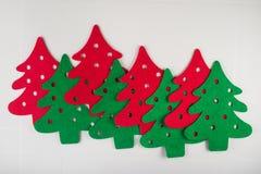 árvores de Natal vermelhas e verdes abstratas Fotografia de Stock