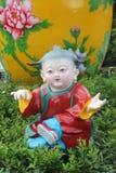 ÁSIA, CHINA, as bonecas bonitas da porcelana em povos de Shenzhen esquadra Fotos de Stock Royalty Free