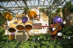 Ásia China, Pequim, carnaval agrícola, salão de exposição interno, faixa da beringela de ŒCartoon do ¼ do sceneï fotografia de stock