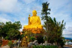 Ásia, Vietname A cidade de Dalat, Buda de bronze Fotos de Stock