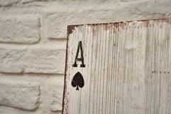 Áss de madeira dos cartões de jogo para a decoração Imagem de Stock