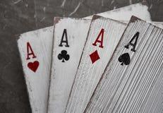 Áss de madeira dos cartões de jogo para a decoração Foto de Stock Royalty Free