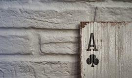 Áss de madeira dos cartões de jogo para a decoração Fotografia de Stock