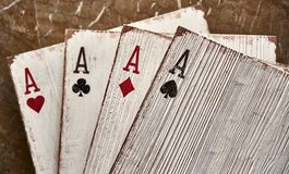 Áss de madeira dos cartões de jogo para a decoração Imagens de Stock Royalty Free
