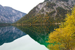 Áustria, lago Plansee perto de Reutte foto de stock