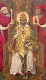 ÁVILA, ESPAÑA, 2016: La pintura gótica de San Pedro como el primer papa en el altar lateral por Fernando Gallego y x28; 15 centav fotos de archivo