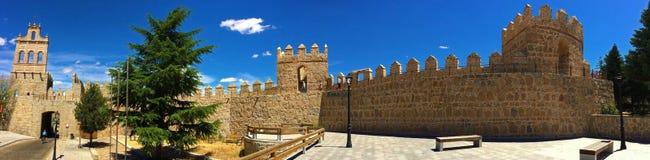 Ávila, España - paredes medievales de la ciudad fotografía de archivo libre de regalías