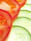 Ââtomato et concombre découpés en tranches Photo libre de droits