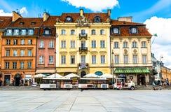 € «14-ое июля 2017 Варшавы, Польши: Plac Zamkowy - квадрат замка в Варшаве Стоковая Фотография