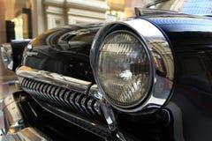 € «12-ое сентября Москвы, РОССИИ: Выставка редких винтажных автомобилей в КАМЕДИ 4-ого сентября 2014 Стоковая Фотография