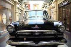 € «12-ое сентября Москвы, РОССИИ: Выставка редких винтажных автомобилей в КАМЕДИ 4-ого сентября 2014 Стоковые Фото