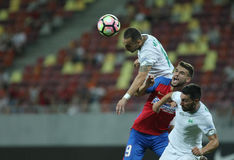 """€ """"Concordia Chiajna de Romania's Liga 1†""""Steaua Bucuresti del fútbol imágenes de archivo libres de regalías"""
