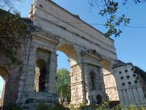 "€ ""Porta Maggiore de Roma Fotos de Stock Royalty Free"