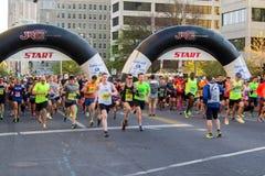 "€ azul ""Roanoke de Ridge Marathon, Virgínia, EUA Imagens de Stock"