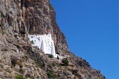 € d'île d'Amorgos, Grèce «le 7 juillet 2008 : Le monastère de Panagia Hozoviotissa photographie stock libre de droits