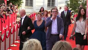 """€ de Odessa, Ucrânia """"7 de julho de 2014: Convidados Odessa International Film Festival de Odessa Mayor Gennady Truhaniv no tape vídeos de arquivo"""
