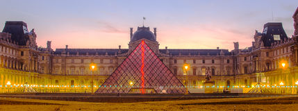 """€ de PARÍS, FRANCIA """"29 de noviembre de 2014: Louvre en la salida del sol Imagen de archivo"""