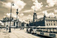 """€ de Varsovia, Polonia """"14 de julio de 2017: Plac Zamkowy - el cuadrado del castillo en Varsovia en ciudad vieja con el palacio  Fotografía de archivo libre de regalías"""