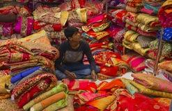 """€ JAIPURS, Rajasthan, Indien """"im Dezember 2016: Sari Shop Inder Tradit lizenzfreie stockbilder"""