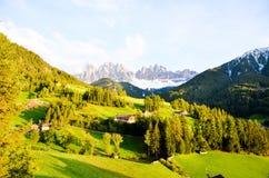 Santa Maddalena i solnedgången, höst, södra Tyrol (Italien) Royaltyfria Foton