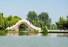 Â二十四桥梁苗条西湖 库存图片